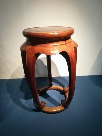 Ming-kauden sivupöytä